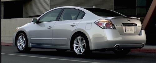 2010-nissan-altima-3.5-se-sedan